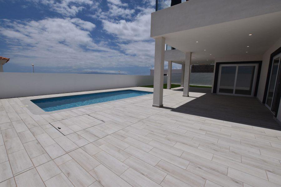 Luxueuse villa neuve