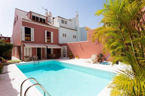 Maison avec piscine, sauna et jacuzzi